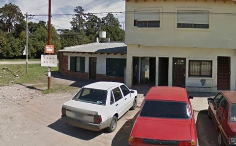 Nuevo hecho de inseguridad: cuatro delincuentes robaron en una remiser�a de La Cumbre. Cuatro individuos aguardaron el momento exacto en el que sal�a el propietario de la remiser�a ubicada en el barrio La Cumbre para interceptarlo con armas de fuego.