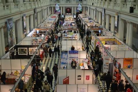 Comienza la Feria del Libro en el Pasaje Dardo Rocha. Se espera gran concurrencia de p�blico en el Pasaje Dardo Rocha.