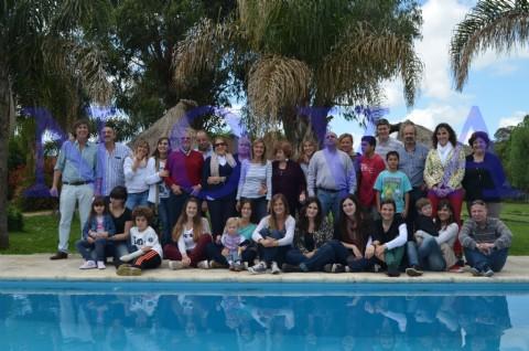 Los Casalongue: una familia desperdigada por el pa�s que se reencontr� gracias a las redes sociales. Los Casalongue: de origen franc�s, peronistas y cuervos. (Foto: NOVA).