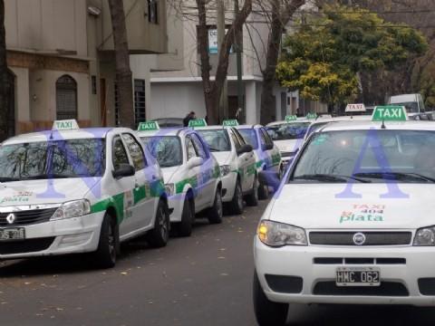 Inseguridad en Tolosa: menores le robaron a un taxista. Durante el trayecto, los menores sacaron un arma blanca, obligaron al taxista a frenar y le apoyaron el cuchillo en el cuello. (Foto archivo: NOVA)