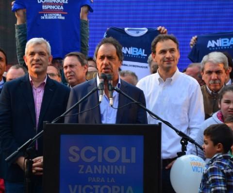 """Pablo Bruera: """"Con Daniel sabemos lo que falta y lo vamos a hacer"""". Pablo Bruera comparti� un encuentro con Daniel Scioli en el marco de los festejos previos al D�a del Ni�o."""