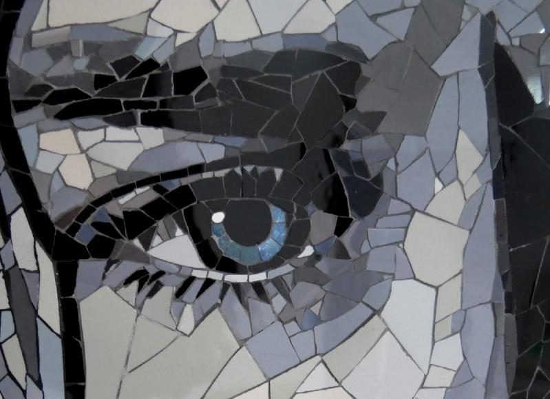 Exposici n de artistas del mosaico en el hall de acceso for El mural de mosaicos