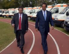 El gobernador Daniel Scioli encabez� en Ensenada la entrega de 50 ambulancias de alta complejidad a hospitales p�blicos y al Sistema Integrado de Emergencias.
