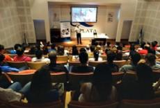 El Centro Cient�fico Tecnol�gico CCT CONICET La Plata fue escenario de dos interesantes encuentros entre j�venes y cient�ficos.