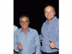 Jes�s Cariglino, Intendente de Malvinas Argentinas, recibi� al concejal y pre candidato a Intendente, Javier Pacharotti.