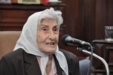 Miembro fundacional de la Asociaci�n Madres de Plaza de Mayo, Adelina Dematti de Alaye.