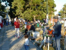 La jornada comenzar� a partir de las 11, cuando los artesanos monten sus stands en esta feria libre y gratuita.