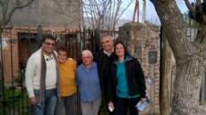 El equipo del precandidato a intendente de Berisso, �ngel Celi, recorri� parte del barrio Santa Cruz.