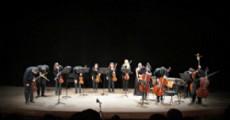 El pasado viernes por la noche se llev� a cabo un concierto en la sala �Astor Piazzolla� del Teatro Argentino. En esta oportunidad, se present� la �Camerata� dirigida por Jos� Bondar.
