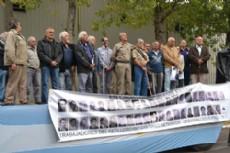 Adem�s, se inaugur� un monumento en homenaje a las v�ctimas de la tr�gica dictadura militar que trabajaban en la empresa.