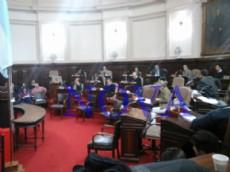 Sesi�n expeditiva y con escasos debates. El FR y el FAUnen sostuvieron reclamo por deuda de Provincia con La Plata de casi 100 millones de pesos