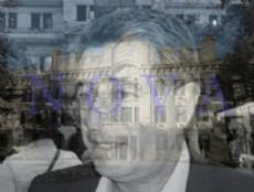 El fantasma del exdirector Gustavo Oliva, hoy senador del FPV, sobrevuela por el Colegio Nacional de La Plata. Artima�as pol�ticas de otros tiempos, �y la democracia? �y los derechos humanos?.