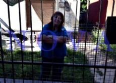 �Dios puso a este hombre en mi camino�, asegur� Sonia Garc�a, vecina de Olmos que se ofreci� a hospedar al odont�logo en su casa de 173 entre 41 y 42. (Foto: NOVA).