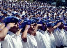 Unos 731 agentes se suman a la polic�a bonaerense para combatir el delito en la ciudad capital de la Provincia de Buenos Aires.