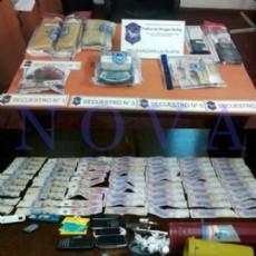 Los uniformados secuestraron autos, drogas, armas, plata y elementos robados. (Foto: NOVA)