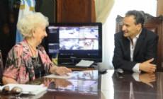 El intendente Pablo Bruera mantuvo, este viernes, una reuni�n con la titular de la Asociaci�n de Abuelas de Plaza de Mayo, Estela de Carlotto.