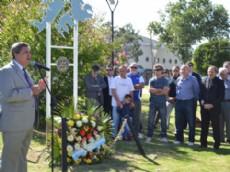 El acto escolar tendr� lugar el mi�rcoles 1, a las 9 horas en la escuela N�25 (126 e/ 29 y 30), mientras que el acto en conjunto con el Rotary Club, se realizar� el jueves 2 a las 11 en el Monumento a los ex Combatientes y Ca�dos en la Guerra.