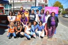 Miembros de la OMIC y de la Mesa Distrital contra la Violencia de G�nero efectuaron una campa�a de concientizaci�n en la intersecci�n de Avenida Montevideo y 13, conocida como �La Bajadita�.