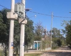 EDELAP finaliz� la instalaci�n de un nuevo centro de transformaci�n, de 315 kVA de potencia, en el barrio El Rinc�n, de Villa Elisa.