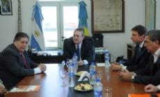 Slezack y los ministros Collia y Breitenstein, repasaron el protocolo de actuaci�n sanitaria.