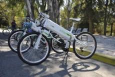 Se incorporaran al paseo del bosque dos bicicletas el�ctricas para que los platenses puedan experimentar de manera gratuita, el conducir este tipo de veh�culo.