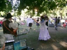 En la plaza tolosana de 2 y 530, habr� un emotivo espect�culo folkl�rico.
