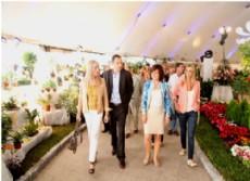 Participar�n m�s de 1200 productores de flores y plantas y se realizar� la tradicional elecci�n de la Reina de la Flor, como as� tambi�n shows �tnicos japoneses, portugueses, bolivianos, folklore y danzas modernas.