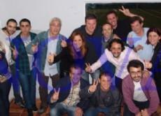 Referentes platenses y militantes unidos bajo la candidatura de Juli�n Dom�nguez.  (Foto Archivo: NOVA)