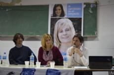 Gast�n Castagneto, Florencia Saintout y Augusto Costa en la Facultad de Trabajo Social.