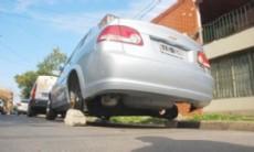 Los delincuentes fueron demorados acusados de llevar a cabo 10 hechos delictivos bajo la modalidad de robar ruedas de autos estacionados.