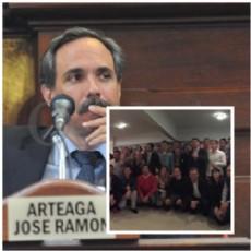 El concejal sigue manteniendo los pies en el Frente Renovador massista. Hubo rumores de ruptura y baja de candidatura.