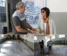 Militantes de Kolina aplicaron membrana en el gimnasio de la escuela secundaria 62 de La Plata.
