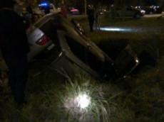 El conductor, un hombre de aproximadamente 40 a�os de edad, present� varios traumatismos, que se dijo no revest�an gravedad.