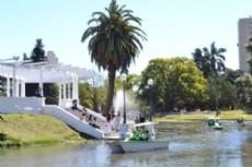Como parte del plan de mejoras que se llevan a cabo la Municipalidad inaugur� este s�bado, los nuevos botes que se incorporaron al lago y que permiten recuperar un paseo hist�rico de la ciudad.