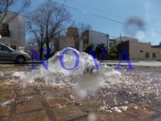 Los trabajos de reparaci�n de ca�er�as rotas en la v�a p�blica ser�an realizados por miembros de las 20 cuadrillas municipales. (Foto archivo: NOVA).