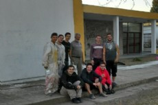 Los j�venes del Frente Renovador realizaron este lunes nuevamente una jornada solidaria en la Escuela T�cnica N�mero 2 de Berisso.