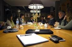 Gast�n Castagneto se reuni� con comerciantes e integrantes de la C�mara de Comercio e Industria de City Bell.