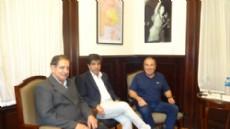 Emilio L�pez Muntaner, se reuni� con Alberto Alba, presidente de la Casa del Tango de La Plata, y Alcides Aguirre, de la ONG Brisa Social.